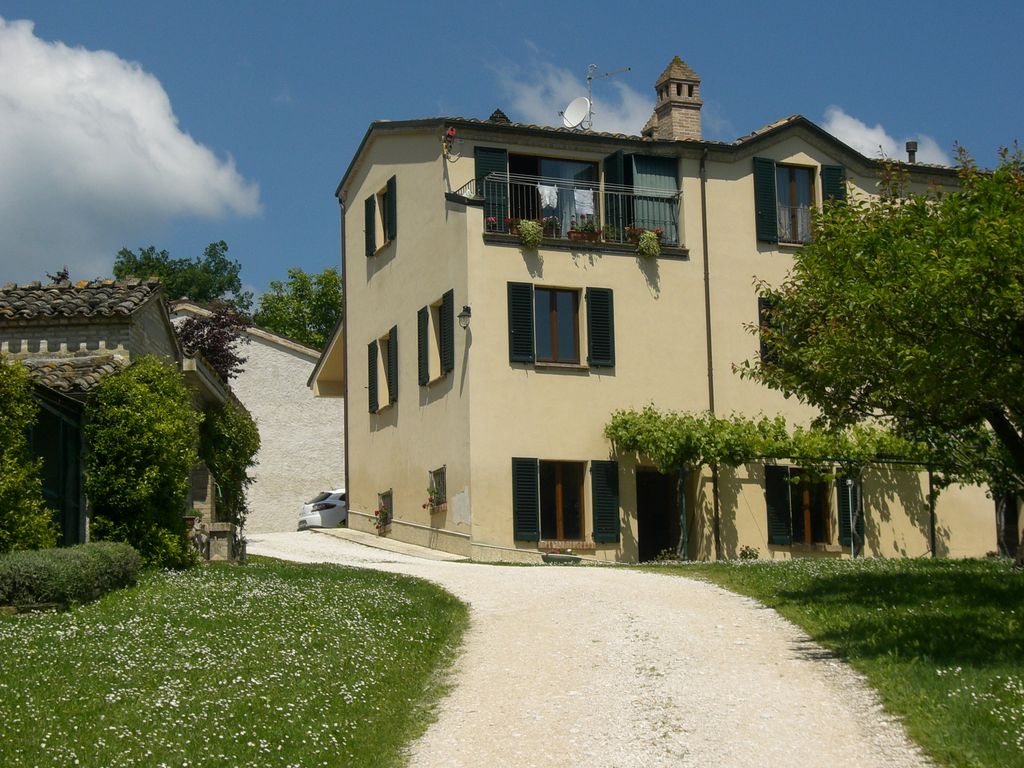 Country House Surrounded By Greenery Amandola Marche Rentals And Resorts