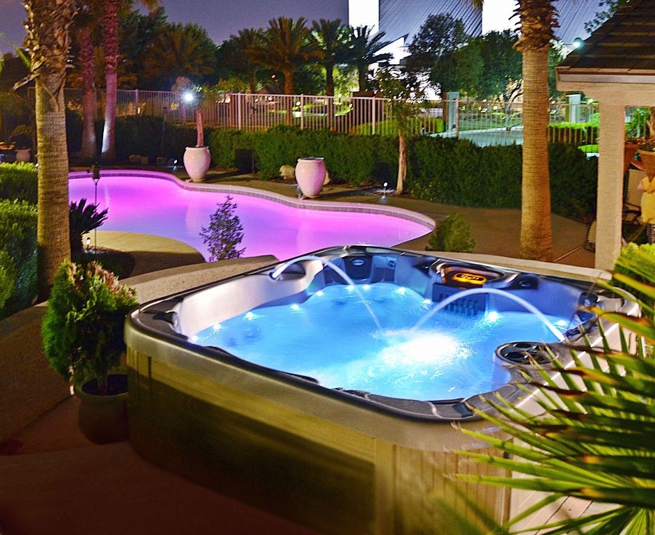 luxury home pool spa waterfall views homeaway las vegas - Cool Pools With Waterfalls In Houses