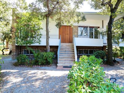 Photo for Villa Seristori - 15 places with garden, 50 m from the beach