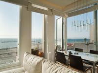 it was a beautiful apartment, very clean and great location. Guy and keren were very responsive to