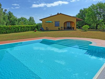 Photo for Collelungo Villa, Sleeps 8 with Pool