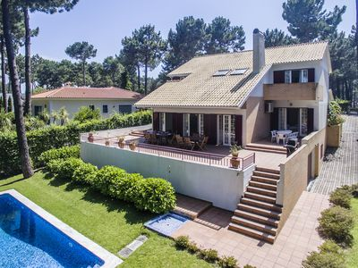 Photo for Spacious and modern villa for 10 persons, with garden and private swimming pool