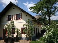 Smart, clean, beautiful house in gorgeous setting close to lakes Bled and Bohinj.