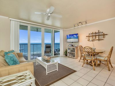 Photo for Apollo 909: Beautifully remodeled 1 Bedroom beachfront condo. Restaurant on site