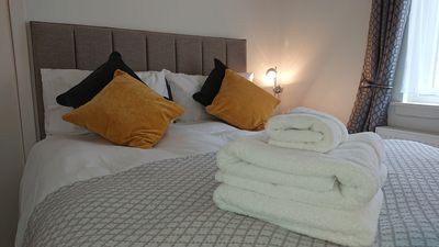 Photo for Cosy West End Apartment 2 minutes walk to Princes Street and the Usher Hall.