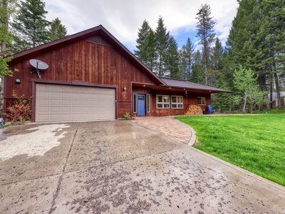 Photo for Modern cabin w/ wood stove - walk to town, golf & Payette Lake!
