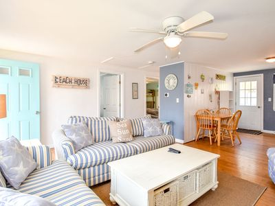 Photo for #906: Newly Updated, Minutes to Beach & Town, Great Outdoor Space!