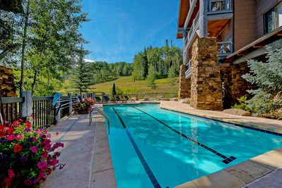 Exterior - Bear Paw Heated Pool and Hot Tub Area with View of the Slopes