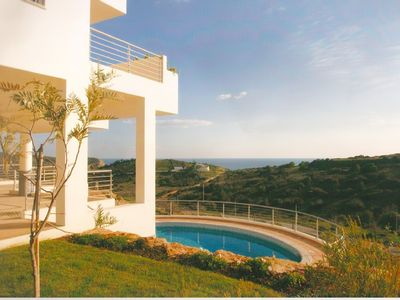 Pool and stunning sea views