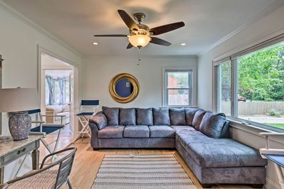 Head out to the Hamptons and enjoy a stay at this 2-bed, 2-bath vacation rental!