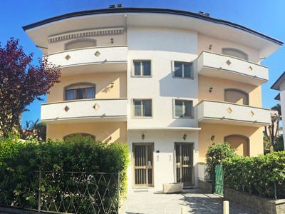 Photo for Apartment Casa la Sabbia in Lido di Camaiore - 5 persons, 2 bedrooms