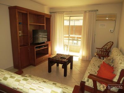 Photo for Cód 444 Apartment for 6 people 30 meters from the beach in the Center of Bombinhas