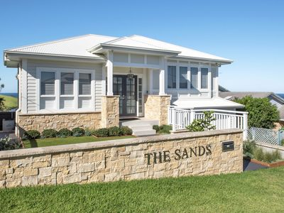 Photo for THE SANDS, Gerroa  - 4pm check out Sundays!