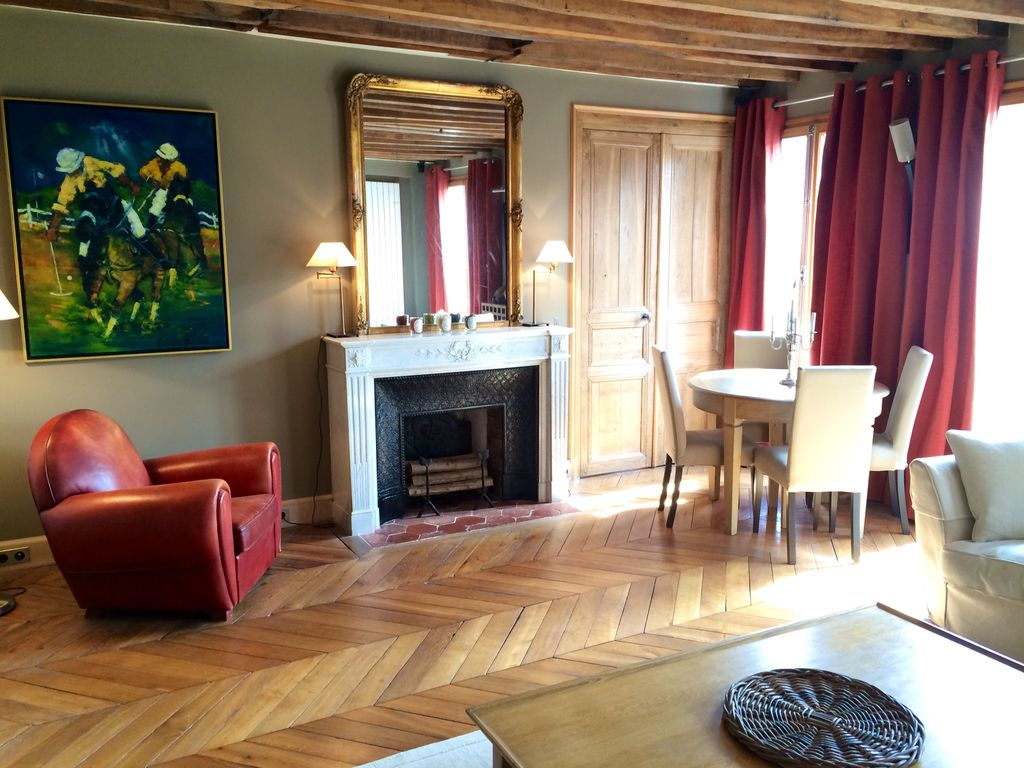 Louvre rivoli apartment 900 sq ft 2 bedr homeaway for 900 square feet apartment