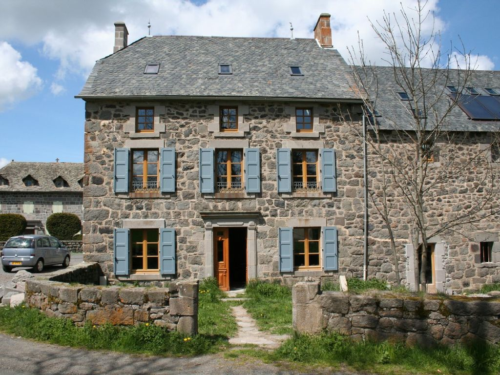 Family Friendly Holiday Cottage Indoor Swimming Pool Cantal Auvergne, France