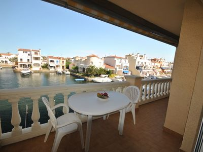 Photo for Empuriabrava, 1 bedroom apartment, Marina view terrace and private parking