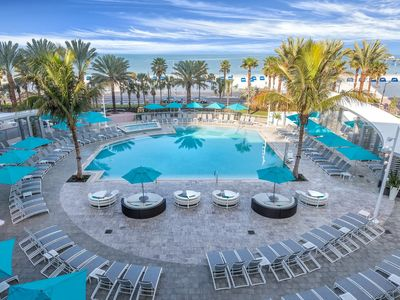 Photo for Clearwater Beach Front, One Bedroom Deluxe Condo (A438)