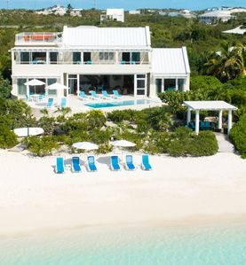 Villa Blue Heaven - Directly on the beach of famous Sapodilla Bay.