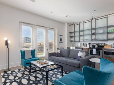 Photo for Downtown Dreamin' - One Bedroom Apartment, Sleeps 4