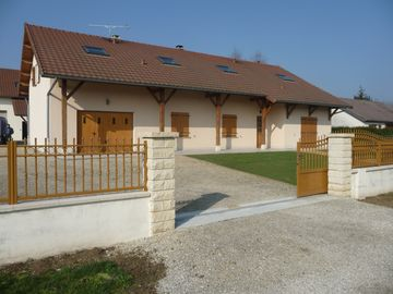 Champagne-Ardenne, at the foot of the lake Der. Large house for 8 persons - LE LOGIS DU DER
