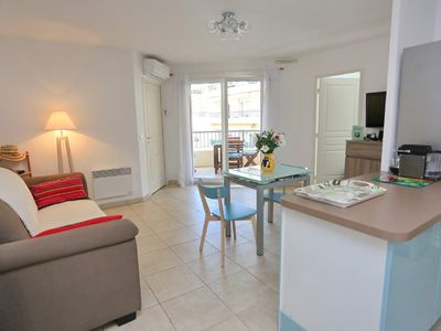 Photo for Apartment with beautiful proportions, in the heart of Nice, near the sea.