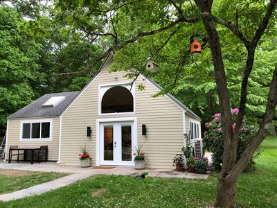 Beautiful Cottage with pond access and perfect yard for outdoor entertaining!