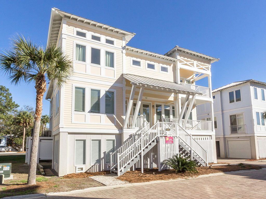 Large Townhome In Quiet Part Of Tybee Island With Private