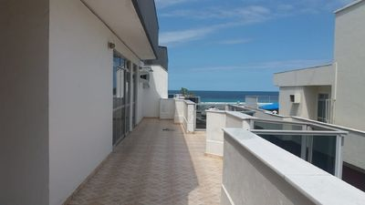 Photo for Apartment penthouse in Praia do Forte, sea view, 4 qts, with air and wi-fi.
