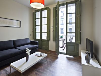 Photo for Charming apartment near Plaza Real