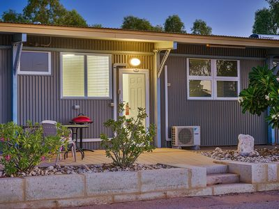 Photo for Getaway Villas, Unit 306 - Comfortable villa with a King sized bed