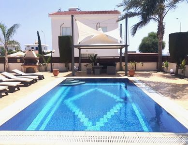 Photo for Luxury 2 bedroom Villa with private swimmingpool & Free Wifi & Airconditioning