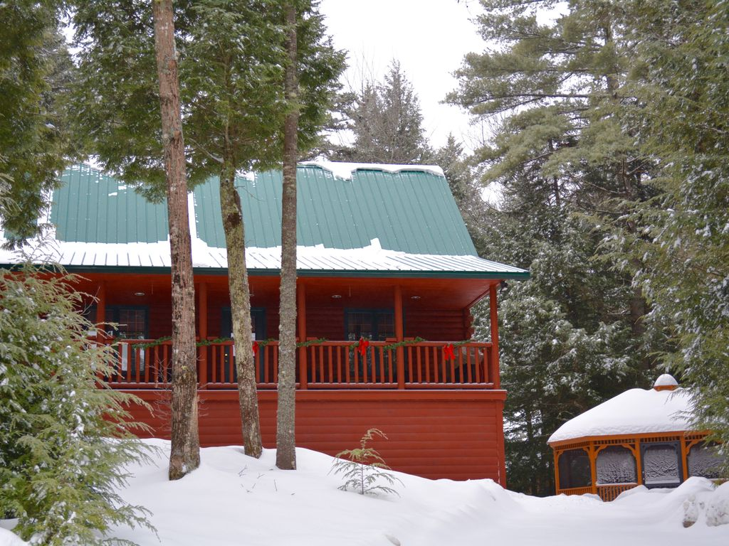 Luxury cabin 1 ranked sunday river 20 min away scr for Cabin rentals in maine with hot tub