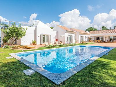 Photo for Spacious villa with 4 en suite bathrooms, hot tub and outdoor dining