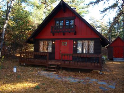 Family Friendly challet w/ snowmobile trails and shared beach on Moore's Pond