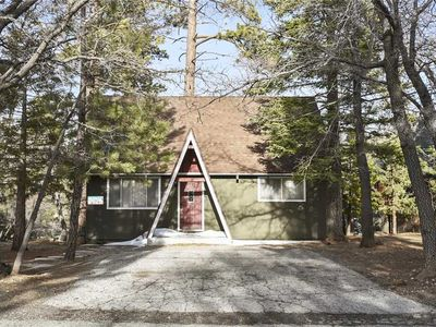 Photo for Shell Cottage: 3 BR / 1 BA cottage in Big Bear Lake, Sleeps 8