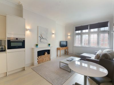 Photo for Fantastic 2 Bedroom Apartment - High Street Kensington
