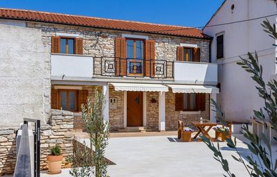 Photo for Holiday house Valbandon for 1 - 8 persons with 3 bedrooms - Detached holiday house