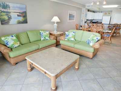 Photo for Cute, coastal gulf-front condo ! Free Wi-Fi. Waves Bar & Grill + Starbucks on-site!