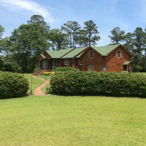 Photo for Private 32 acre Low Country Retreat - 10 min from Outer Banks beaches