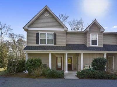Photo for DAILY ACTIVITIES INCLUDED!  WiFi, gas grill, screen porch and deck.  Community pool plus kiddie pool,