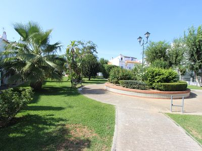 Photo for Modern townhouse, centrally located near the beach
