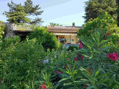 Photo for 4 bedroom house - house in Provence with garden and pool