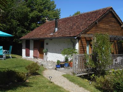 Photo for Charming stone and timber barn in the foothills of the Pyrenees (Pau 10 minutes)