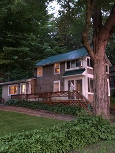 Sunny Side Up, a Four Season Lakefront Retreat with Dock on Findley Lake.