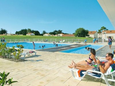 Photo for One bedroom Apartment, sleeps 4 in Noirmoutier-en-l'Île with Pool and WiFi