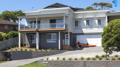 Photo for Minnamurra Beach Bliss - close to golf and river