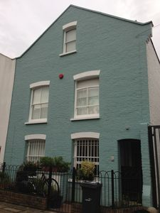 Family-Friendly 3-bedroom House in London's Clapham - Great Public Transport