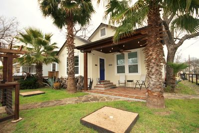 Shaded front yard with Texas Washer Pits and views of Downtown!