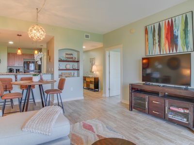 Photo for Newly decorated condo w/ a private balcony, shared, rooftop pool, & hot tub