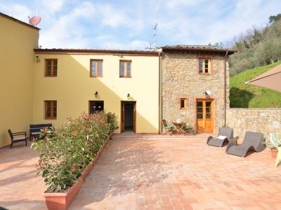 Photo for Nice apartment in villa with A/C, pool, internet, TV, terrace, pets allowed, panoramic view, parking